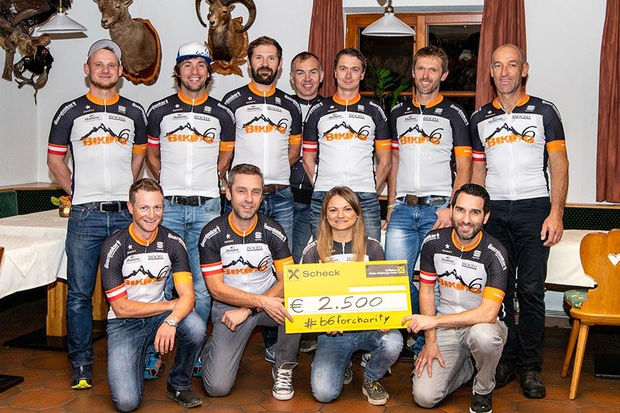 Dank der vielen unterstützenden Sponsoren wurde eine Spendensumme von 2.500 € erreicht (Foto: Christian Schober)