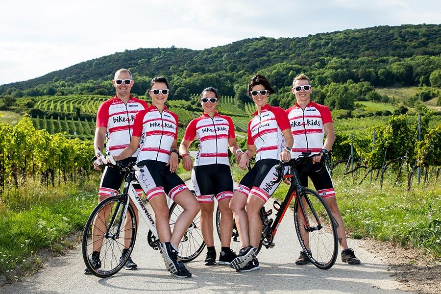 Mach mit bei der bike4kids Charity Radtour gemeinsam mit Lisa, Barbara, Ursula, Matthias und Alexander