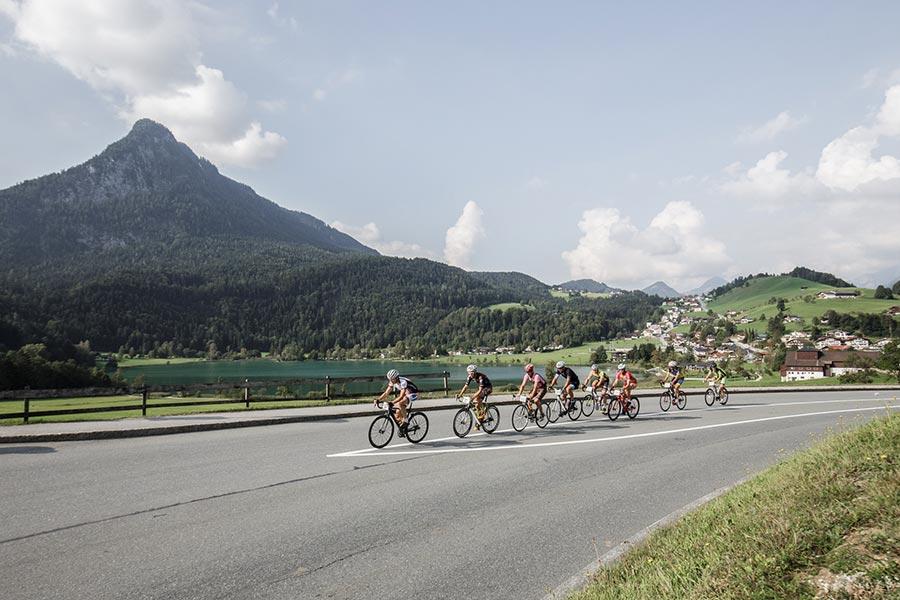 Mit dem klassischen Radmarathon und der Radmarathon Panoramatour stehen den Teilnehmern zwei Strecken zur Auswahl (Bild: Sportalpen)