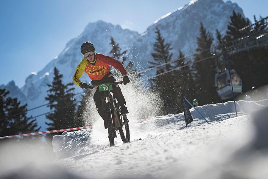 Der Spaß steht beim schneefräsn an oberster Stelle (Foto: Stefan Voitl)