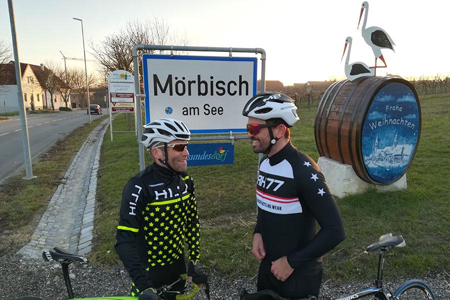 Johannes Hessenberger mit René Haselbacher in Mörbisch (Foto: Neusiedler See Radmarathon)