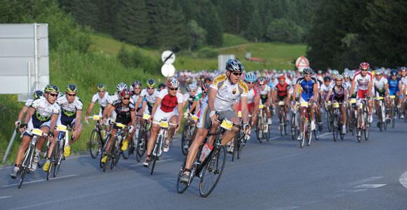 Hochsommer begleitete 1.500 Rennradler