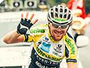 Christoph Strasser feiert historischen fünften RAAM Triumph