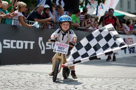 ASVÖ SCOTT Junior Trophy am 16. Juli 2017 in Bad Goisern: Spielerisch im Parcours - rasant beim XC-Rennen!
