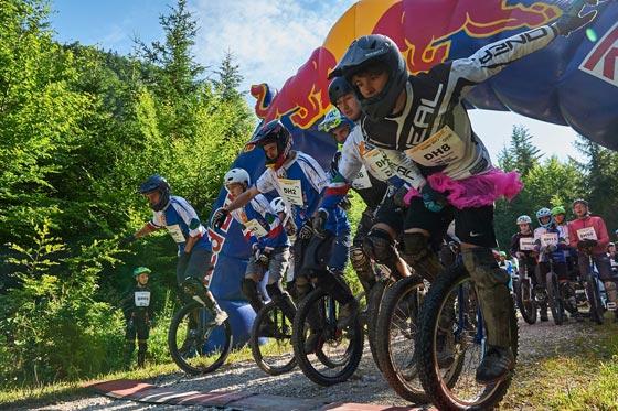 Salzkammergut-Mountainbike-Trophy 2018:  Einrad-Downhill bereits am Trophy-Freitag!